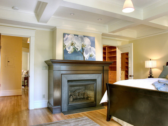 Traditional Bedroom by Michael Knowles, Architect