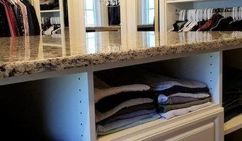 Walk-in closet with island - Chantilly VA