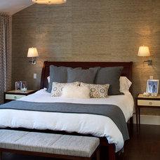 Contemporary Bedroom by Camello, Inc.