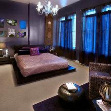 Modern Bedroom by Tola Custom Homes
