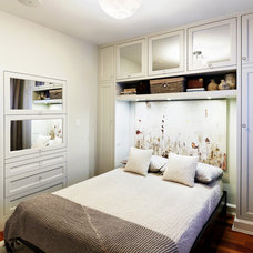 Contemporary Bedroom by Sealy Design Inc.