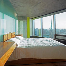Modern Bedroom by Arcademia Group Inc.
