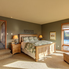 Traditional Bedroom by Travis Knoop Photography
