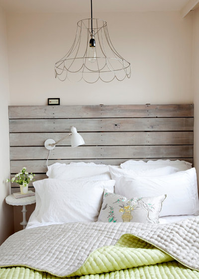 Shabby-chic Style Bedroom by The Cross Interior Design