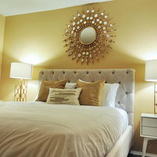 Неиссякаемый источник вдохновения для домашнего уюта: гостевая спальня среднего размера в стиле современная классика с бежевыми стенами и темным паркетным полом