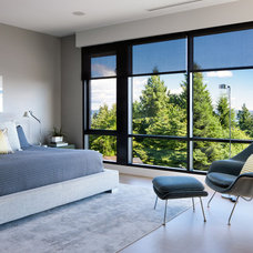 Contemporary Bedroom by Claudia Leccacorvi