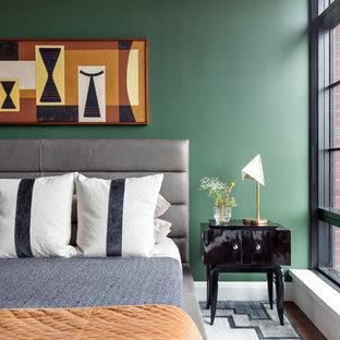 Exemple Du0027une Chambre Parentale Tendance De Taille Moyenne Avec Un Mur Vert,  Un