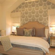Traditional Bedroom by Brooke I. Ackerman Interiors, LLC.