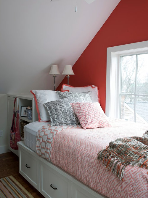maritime schlafzimmer mit roter wandfarbe ideen design bilder houzz. Black Bedroom Furniture Sets. Home Design Ideas