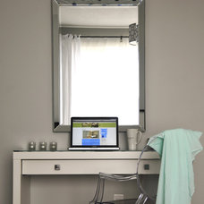 Contemporary Bedroom White Dressing table