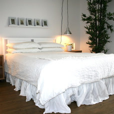 Contemporary Bedroom by decorate IT online