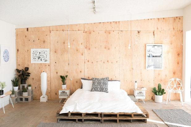 Coastal Bedroom by SWENYO, Inc.
