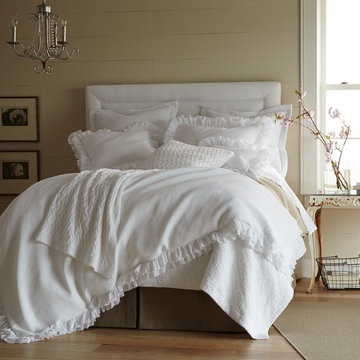 White Shabby-Chic Bedding in a Neutral Room
