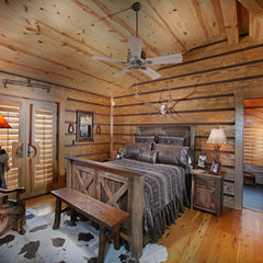 eclectic bedroom Wild Turkey Lodge Bedrooms