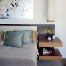Modern Bedroom by Studio William Hefner