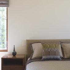 Contemporary Bedroom by Studio William Hefner