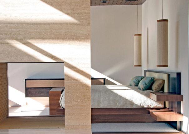 Modern Bedroom by Studio William Hefner