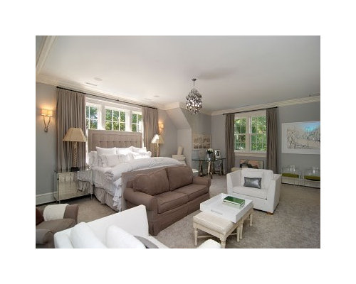 Example Of A Classic Bedroom Design In New York