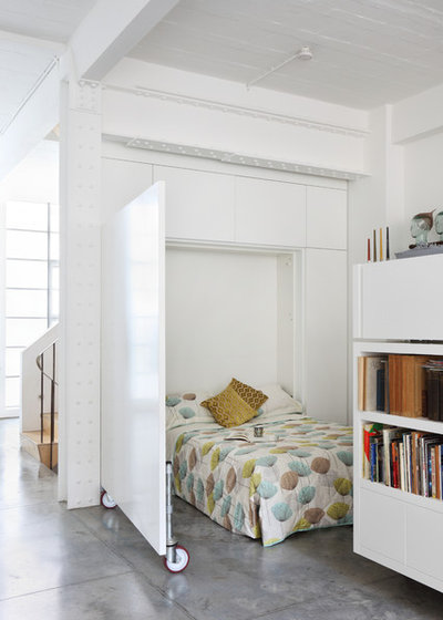 Industrial Bedroom by Chris Dyson Architects