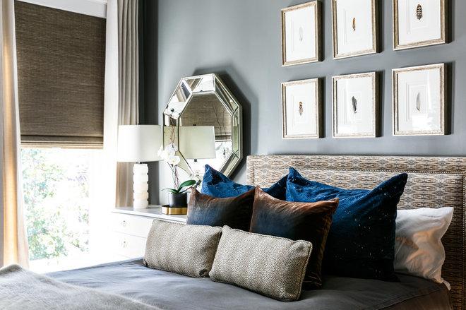 Modern Bedroom by Leslie Cotter Interiors