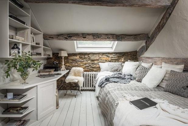 カントリー ベッドルーム by Unique Home Stays