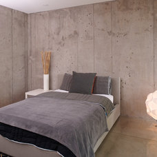 Modern Bedroom by Elevation