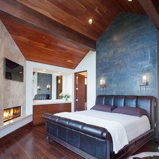 Contemporary Bedroom by Charles Cunniffe Architects Aspen