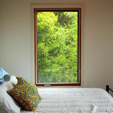 Modern Bedroom by Samara Greenwood Architecture