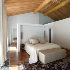 contemporary bedroom by Roman Leonidov