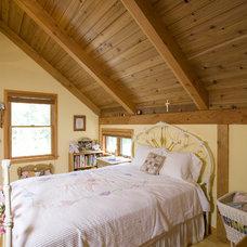 Traditional Bedroom by Habitat Post & Beam, Inc.