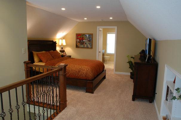 Traditional Bedroom by Bridgewater
