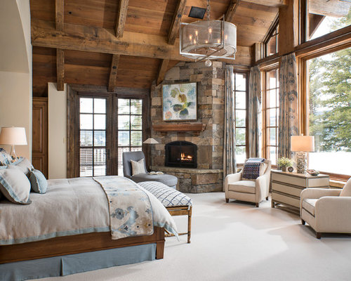 Log cabin design ideas houzz for Master bedroom corner fireplace