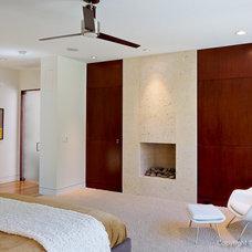 Modern Bedroom by todd hamilton