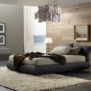 Großes Modernes Schlafzimmer mit grauer Wandfarbe und Schieferboden in New York