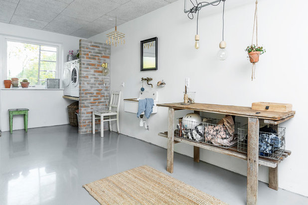 Scandinavian Laundry Room by A little story