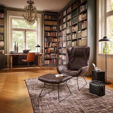 Bureau à domicile dans une bibliothèque de style classique