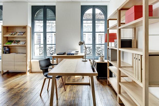 Contemporain Bureau à domicile by La Compagnie du Hêtre: bois clair