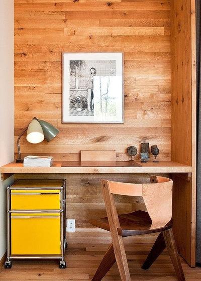 Modern Home Office by Compagnie des Maisons en Bois Massif