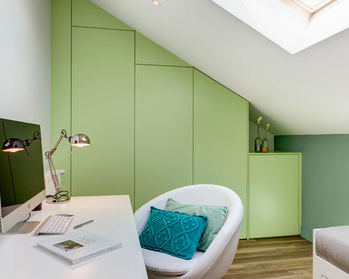Modernes arbeitszimmer mit gr ner wandfarbe ideen f r for Arbeitszimmer wandfarbe