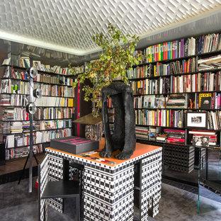 Idées déco pour un grand bureau éclectique avec un bureau indépendant.