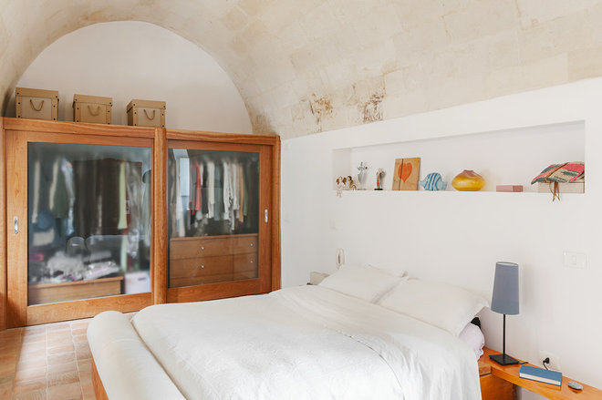 Mediterranean Bedroom by Pierangelo Laterza