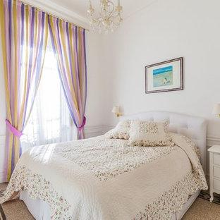 Idee per una camera padronale classica con pareti bianche