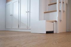 Cassetti Nelle Scale : Idee salvaspazio i gradini con i cassetti
