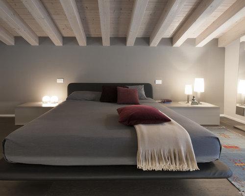 Camera Da Letto Moderna Marrone : Camera da letto moderna con parquet scuro foto e idee per arredare