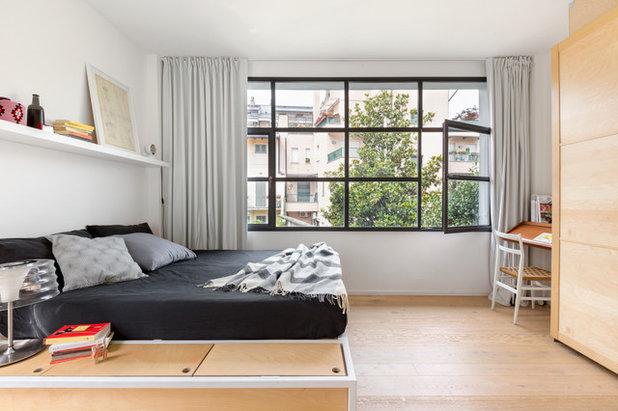 Contemporary Bedroom by sm*s stefaniamicottistudio