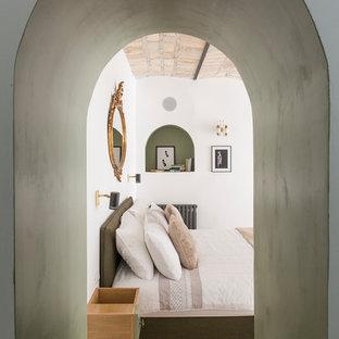 Kleines Eklektisches Hauptschlafzimmer in Rom
