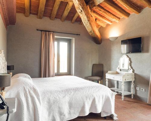 Camere Da Letto Pareti Grigie : Camera padronale in campagna con pareti grigie foto e idee per