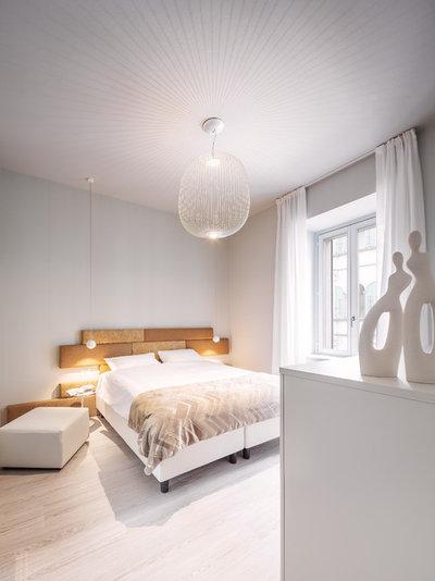 Modern Bedroom by raro