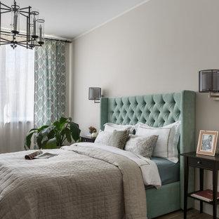 Идея дизайна: гостевая спальня среднего размера в классическом стиле с серыми стенами, полом из керамогранита и серым полом