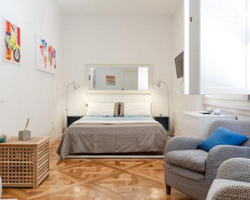 Camera Da Letto Padronale Significato : Camera padronale contemporanea con pareti bianche foto e idee